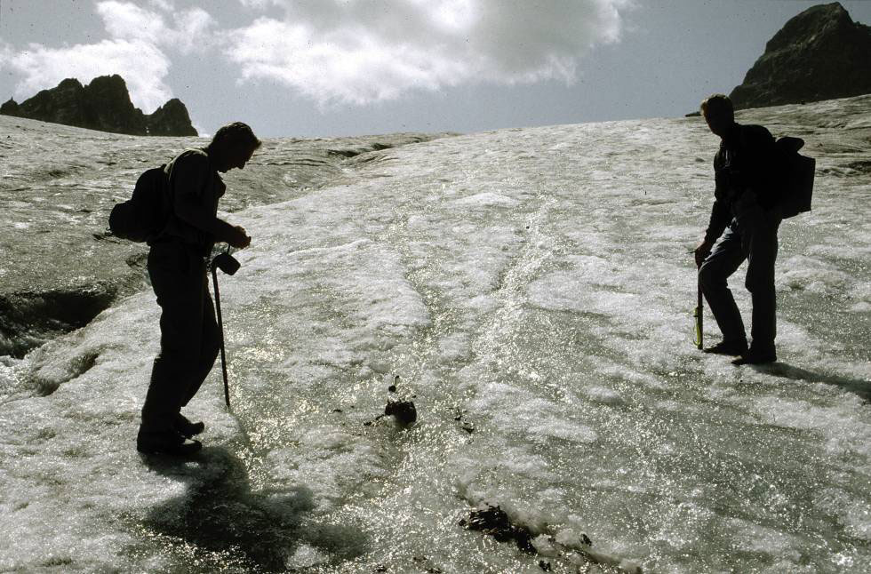 1992 researchers found the corps of a woman in the Porchabella-Glacier. Photo: Archäologischer Dienst Graubünden.