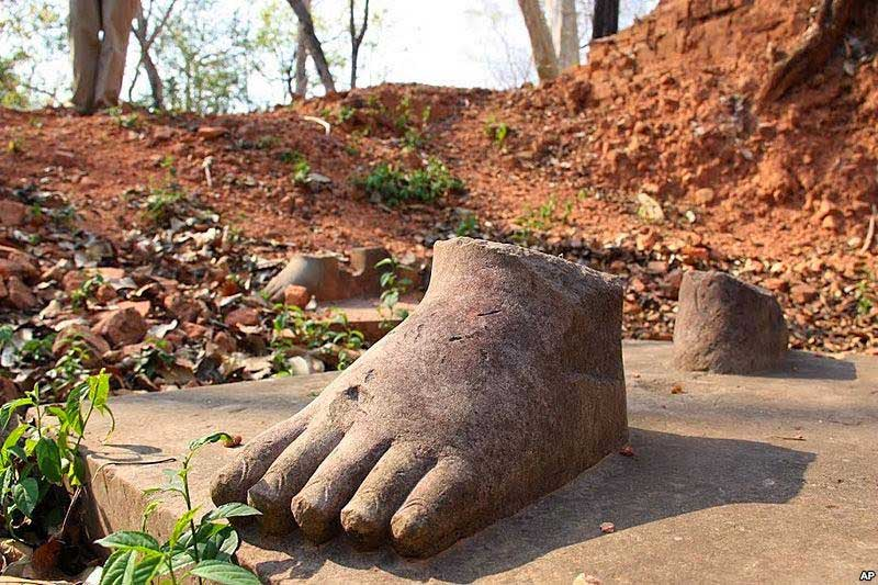 Feet of a looted statue, Koh Ker Cambodia [Credit: D. Schearf]