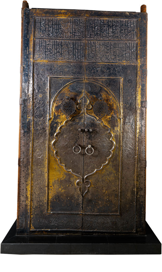 Door of the Ka'ba, AH 1045/1635-36 CE, Turkey, Istanbul, Ottoman dynasty. Gilt silver on wood, 342x182 cm. National Museum, Riyadh.