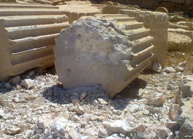 Palmyra: The Temple of Bel. Shells have hit the columns of the temple causing two of them to collapse. Photo: APSA