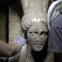 Amphipolis: Two caryatids of exceptional artistry found