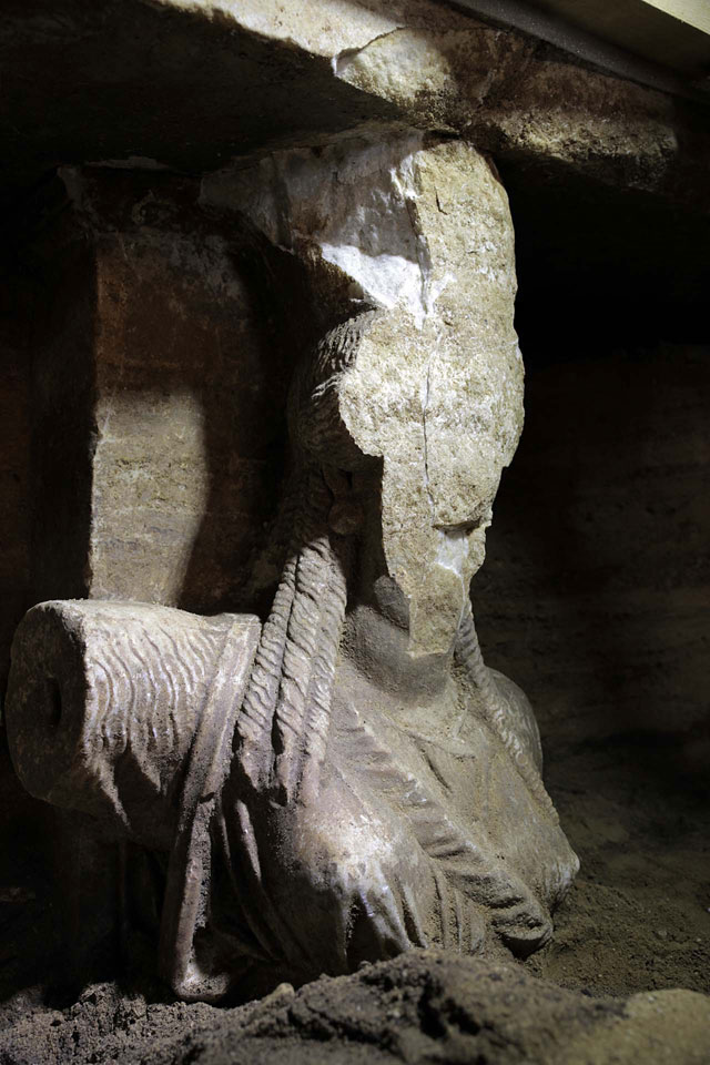 Amphipolis: The eastern caryatid's face is missing.