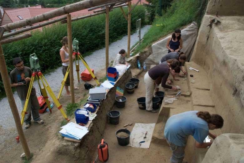 Excavations, Willendorf II. Photo: The Willendorf Project, Philip R. Nigst and Bence Viola.