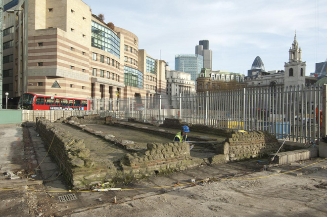 Dismantling the 1960s Temple of Mithras reconstruction.