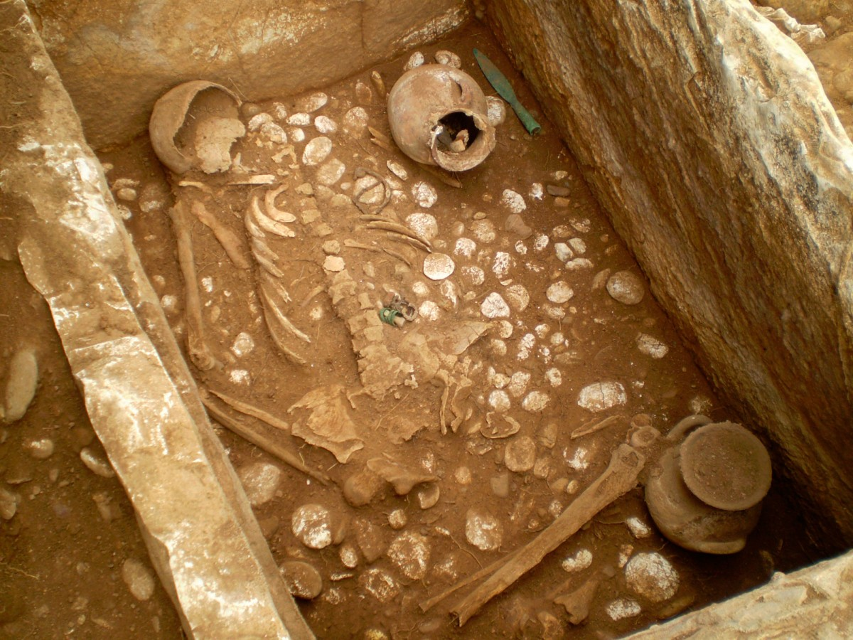Fig. 8. Cist grave.