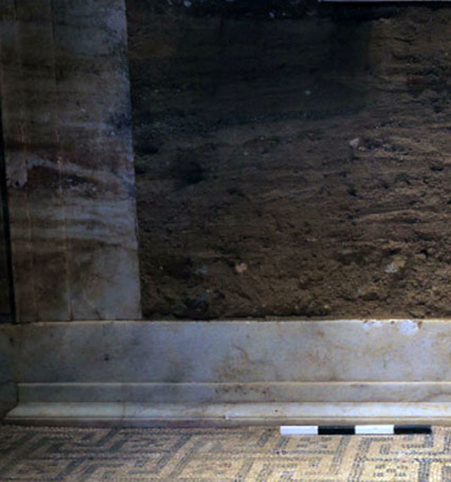 The marble threshold of the door leading to the third chamber (Photo credit: Ministry of Culture and Sports).