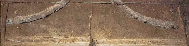 Fig. 5. The traces of ruts on the marble threshold.