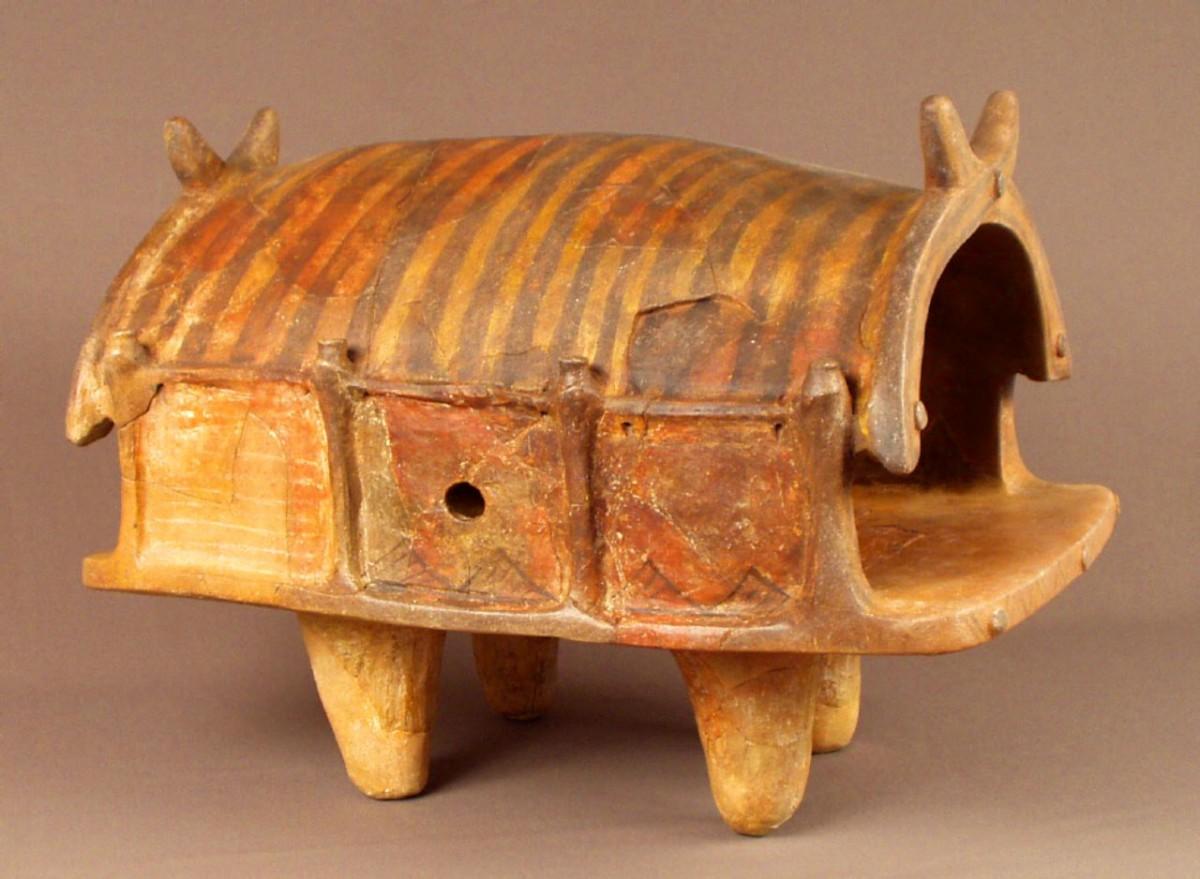Clay model of a Trypillia dwelling (Trypillia BII, around 4000-3900 BC). Image credit: Nataliia Burdo / Mykhailo Videiko.