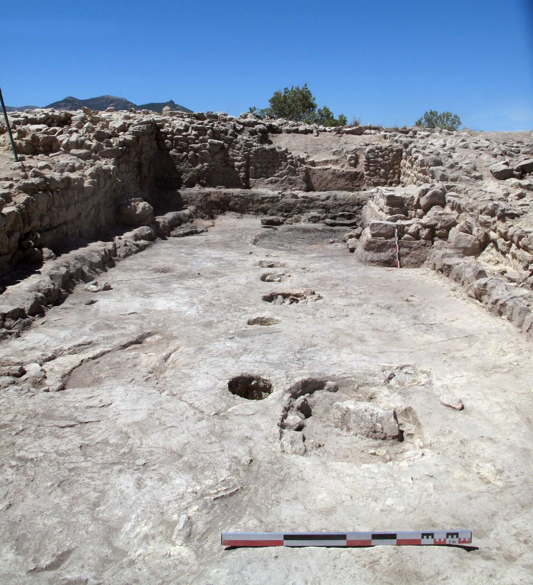 Governing hall at La Almoloya. Archaeologists affirm that this is the first time a building specifically designed for political purposes is discovered in Western Europe. Photo credit: Universitat Autònoma de Barcelona
