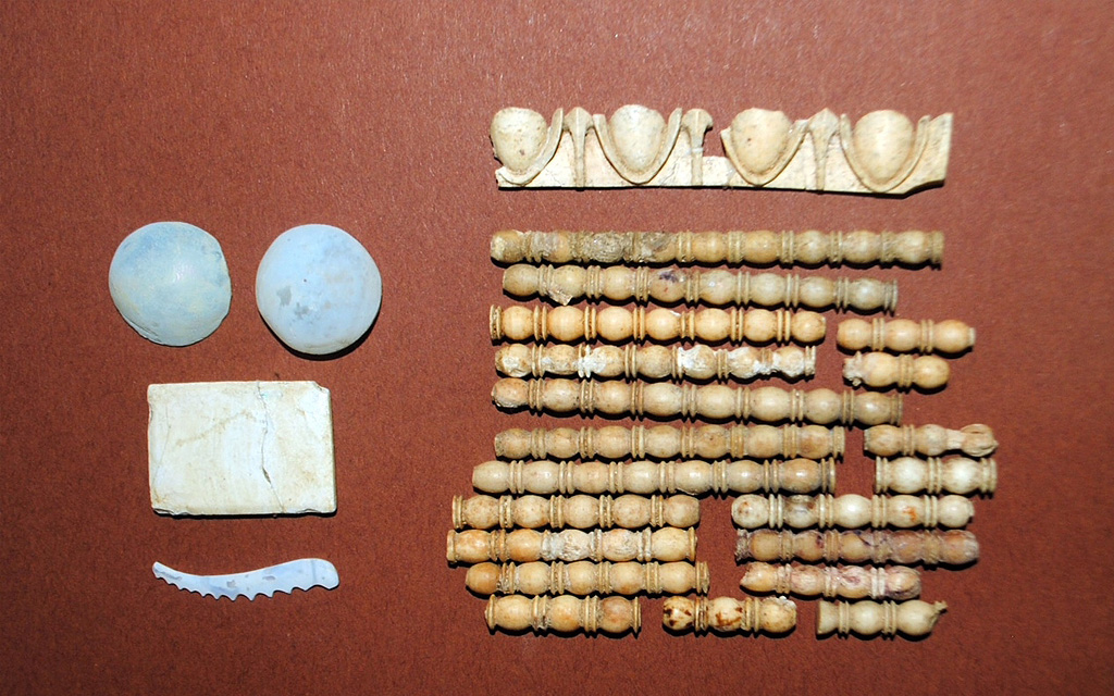 Amphipolis: Bone and glass decorative items of the coffin were also unearthed.