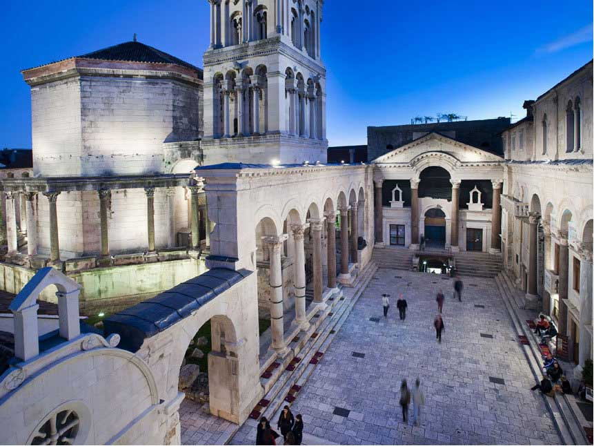 Diocletian's Palace – Peristil.