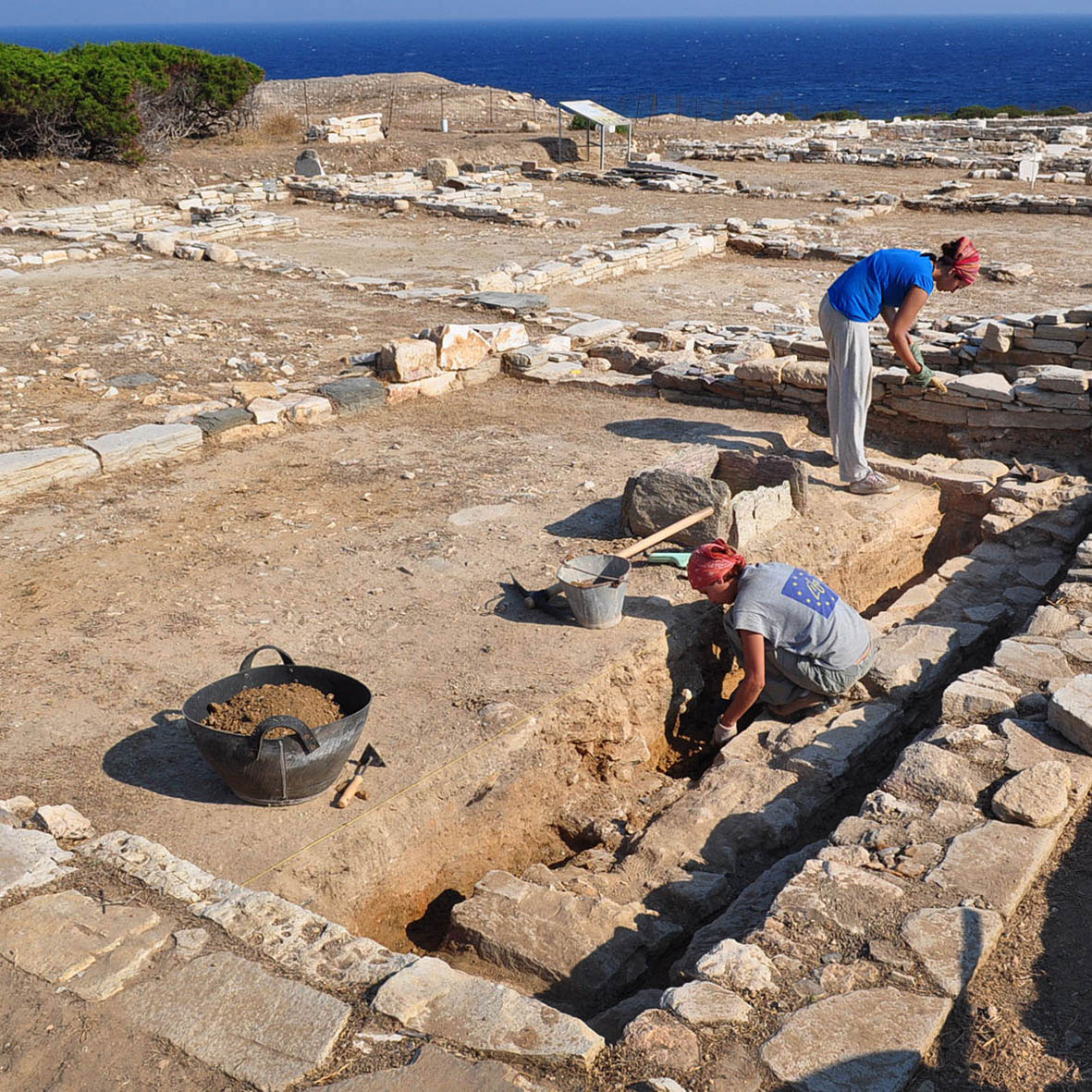 Archaeological excavations at the Mandra site on the uninhabited islet of Despotiko. (Source: xpatathens.com)