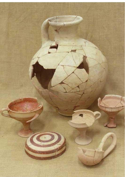 Fig. 2. Ceramic finds.