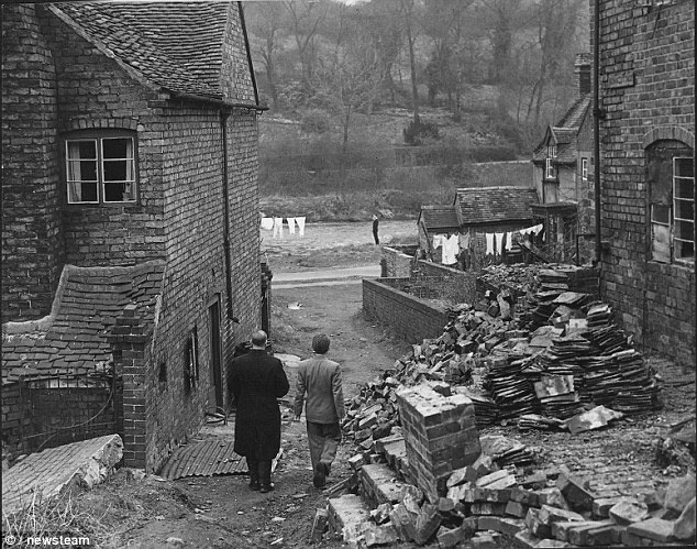 Rubble after houses started sliding towards River Severn in 1951. Photo copyright: Daily Mail.