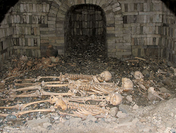 More than 10 occupants were buried in tomb M3 at different times. Photo Credit: Chinese Cultural Relics.