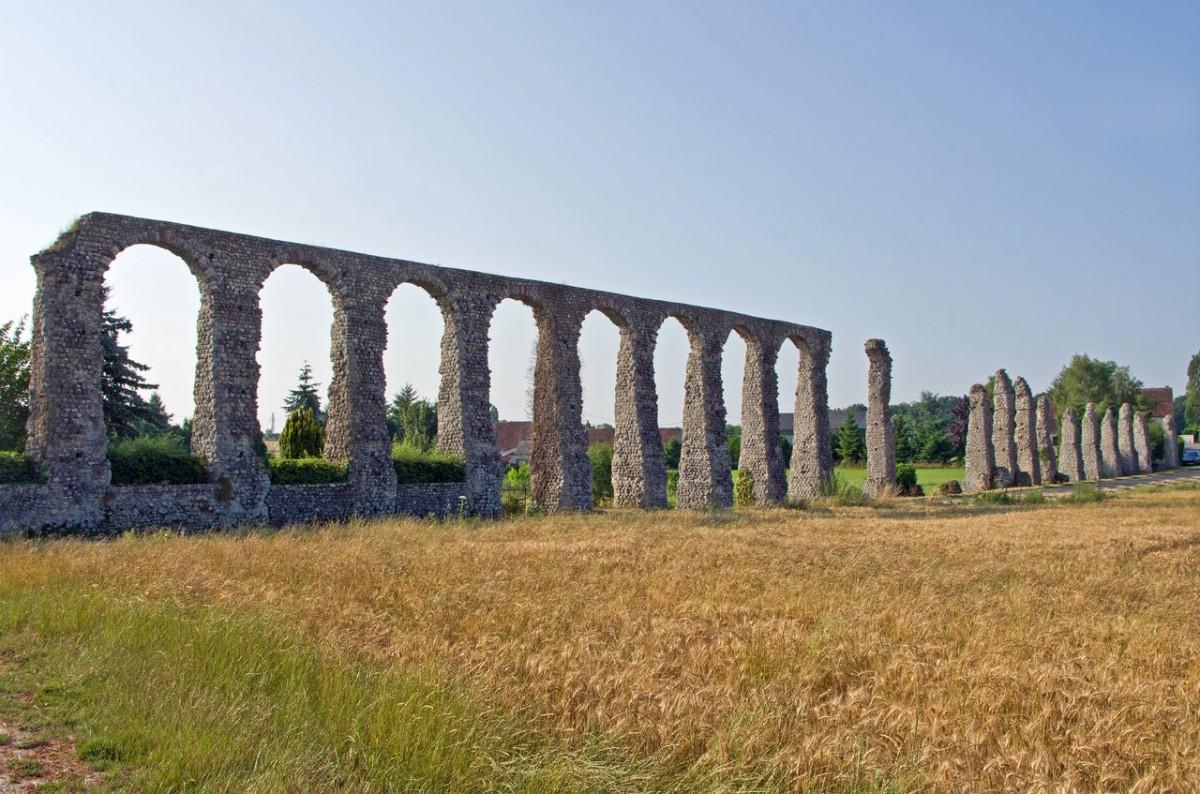 Roman aqueduct of Luynes (Credit: Daniel Jolivet).