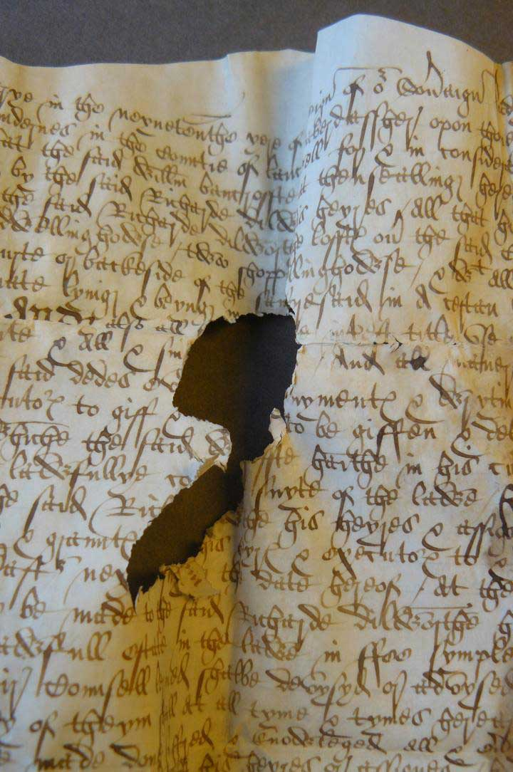 This is an imaged parchment document from Yarburgh Muniments Lancashire Deeds YM. D. Lancs Jan. 13-14, 1576/7. Credit: By permission of The Borthwick Institute for Archives'.