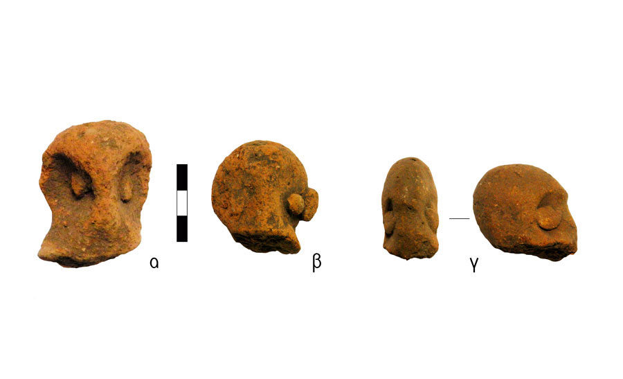 Fig. 5. Heads of human figurines with rough facial characteristics. Vrysinas's Peak Sanctuary (C. Davaras, exc. 1972-73); α) SN 80; β) SN 799; γ) SN 820.