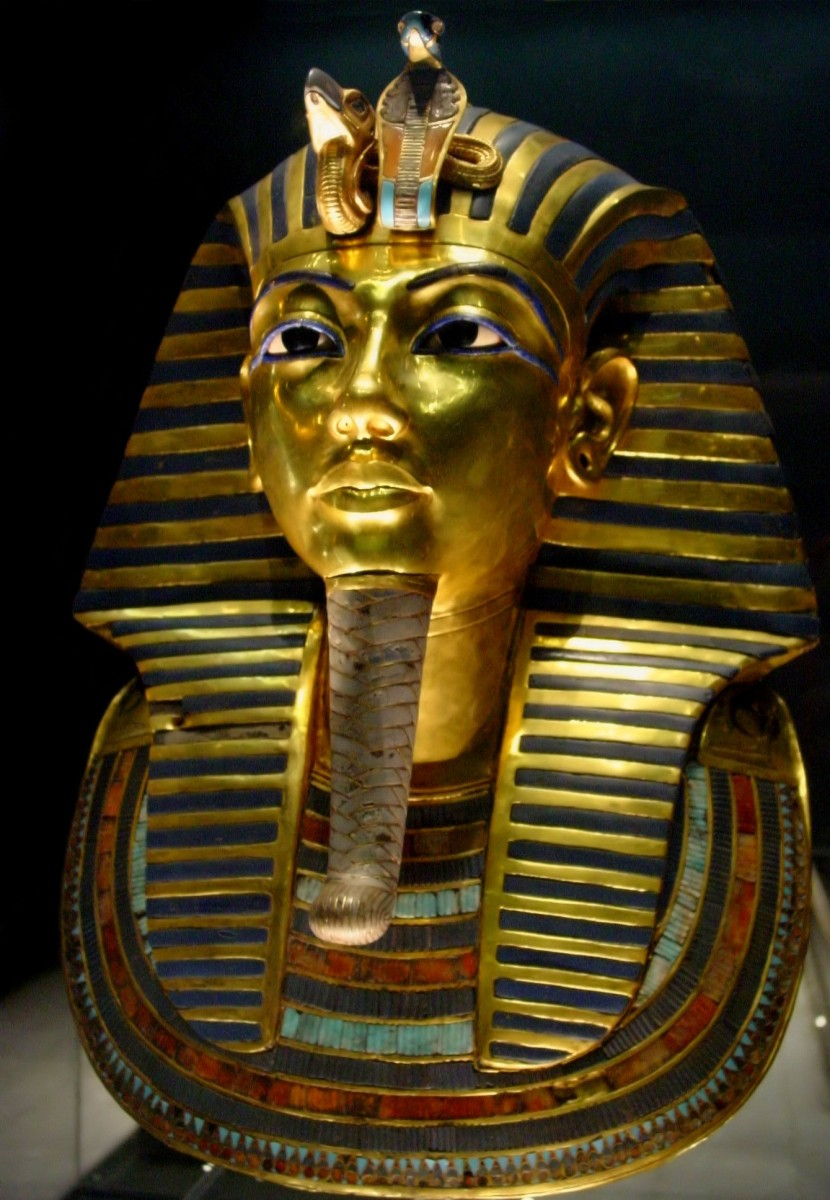 2003 photo of Tutankhamun's burial mask at the Egyptian Museum in Cairo.