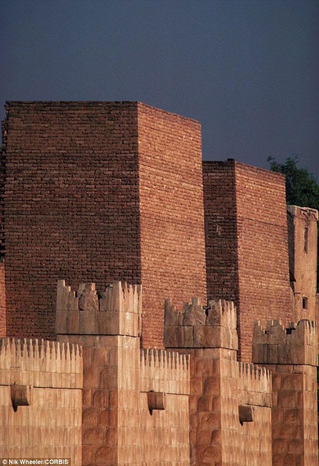 Ruins at the Nineveh site. Photo Credit: Nik Wheeler, Corbis.