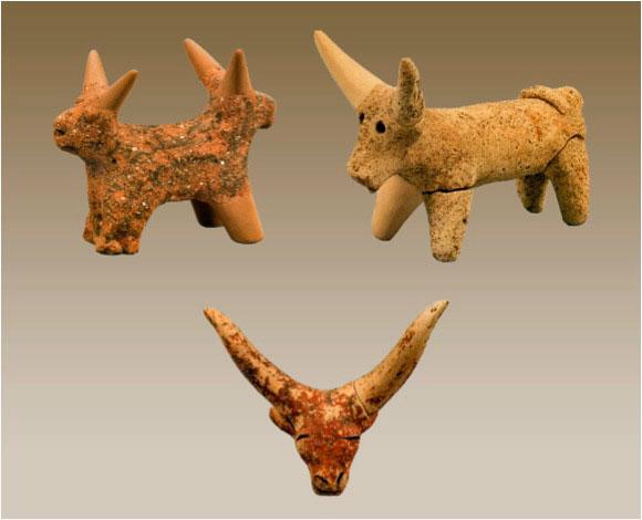 Fig. 3. Bovine figurines.