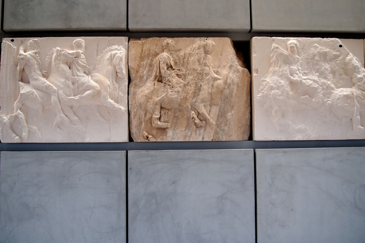 New Acropolis Museum: Juxtaposition of the original marbles and the plaster casts of the British Museum's Parthenon marbles.
