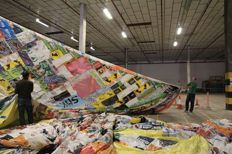 "Fig. 2. Construction of the Museo Aero Solar for ""The Museum Show"" exhibition, Arnolfini © Arnolfini 2011. The museum-hot air balloon was made by volunteers from around the world and up to now has completed 9 ""stops""."