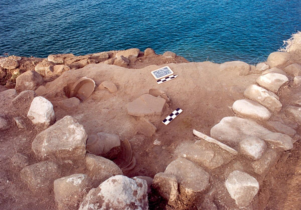 Fig. 6. Kato Bravas Velvendo, vessels under the destruction layer of a stone-built Hellenistic structure.