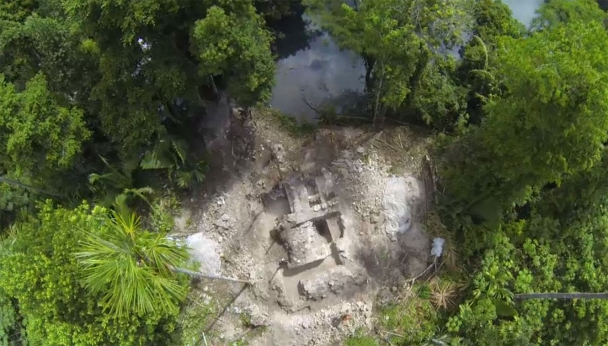 Cara Blanca site, Belize: Water temple, discovered earlier this year, where the Mayas offered sacrifices to end drought. (Snapshot of aerial footage released by National Geographic, on January 29, 2015)