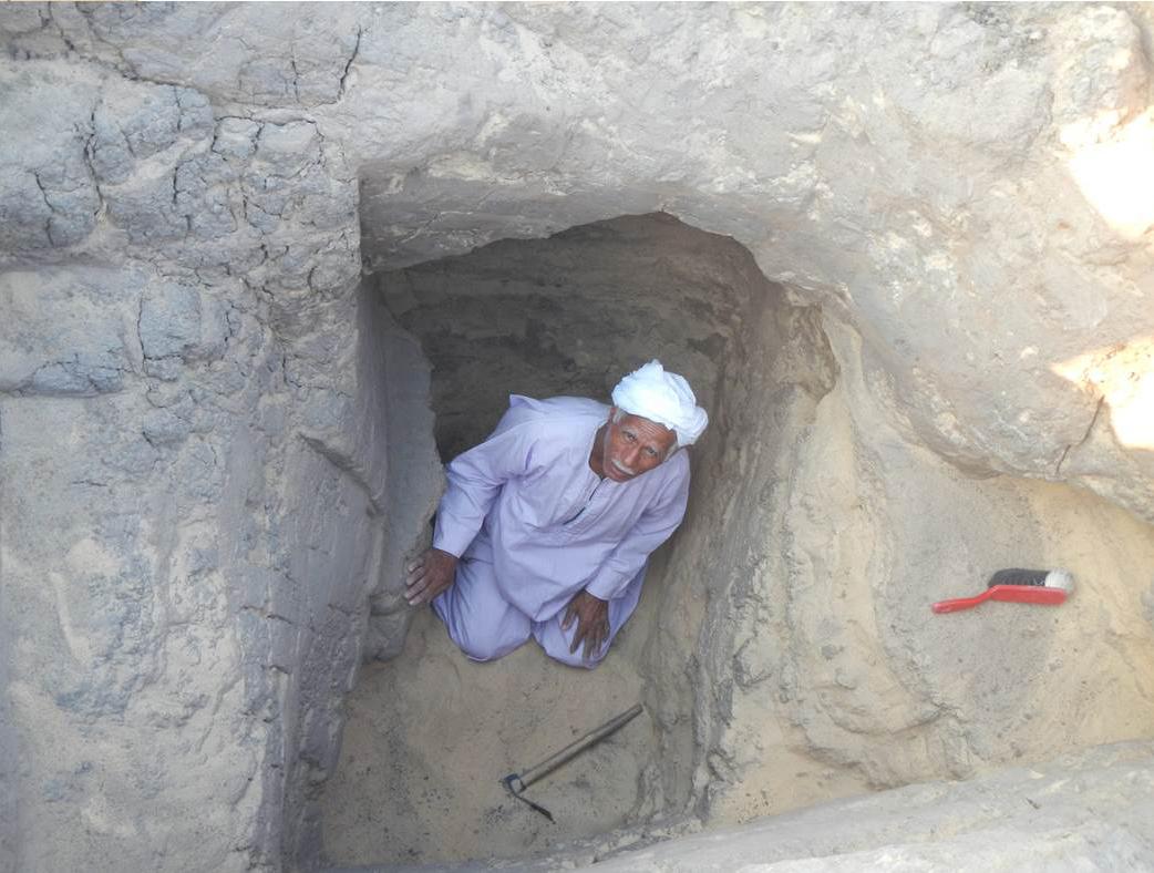 Yassen Hasan Abdallah Omer, the finder of the serekh.