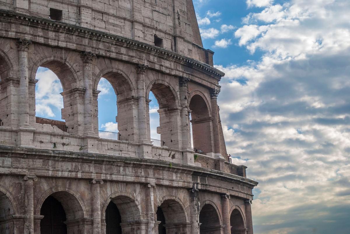 Exterior of the Colosseum. Diana Ringo.