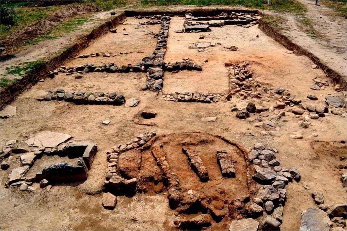 Plassi, Marathon: Buildings and pottery kiln of the Prehistoric era (credit: National and Kapodistrian University of Athens)
