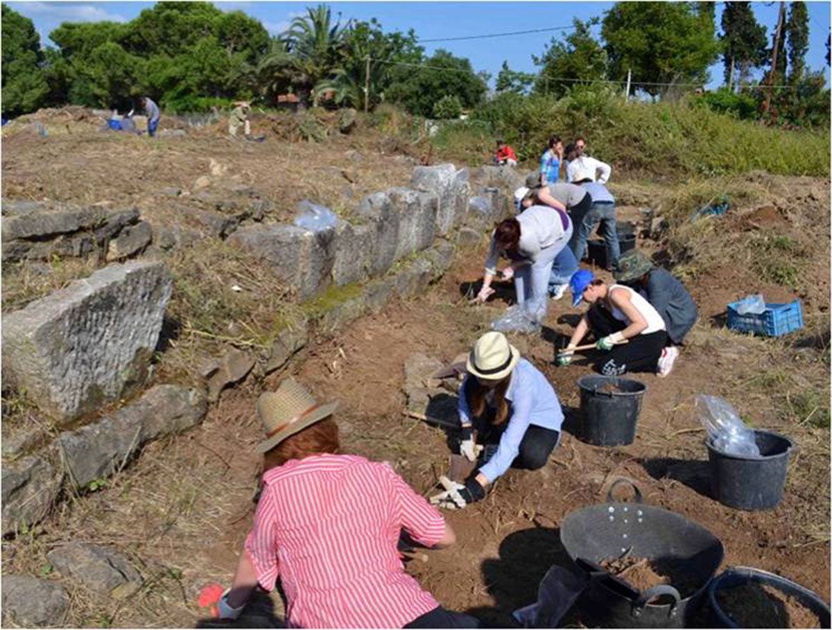 Practical training of students of the Archaeology Department – National and Kapodistrian University of Athens, at the excavation of Plassi, Marathon (credit: National and Kapodistrian University of Athens)