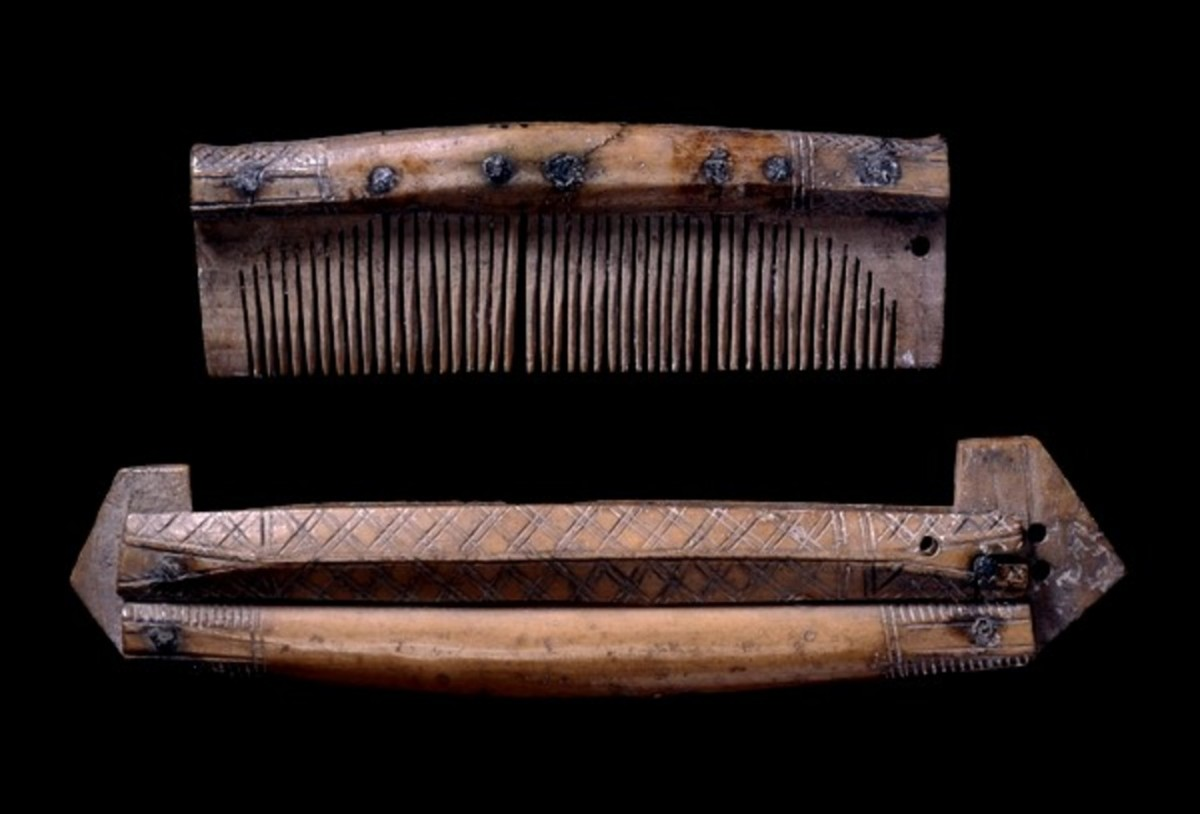 Antler comb with matching case. Viking, 9th-10th century AD From York, England. British Museum.