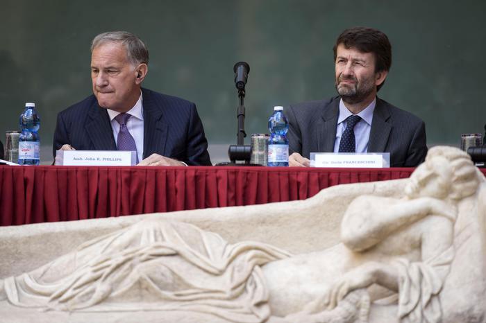 US Ambassador in Italy, John R. Phillips and Italian Ministry of Culture Dario Franceschini. Photo Credit: The Telegraph.