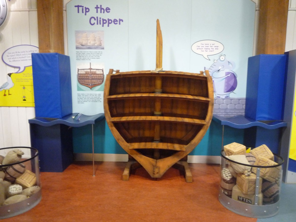 Fig. 4. London Docklands Museum. In the children's wing, children are invited to load the cross section of a ship with cargo (Photographic archive of D. Kalessopoulou).