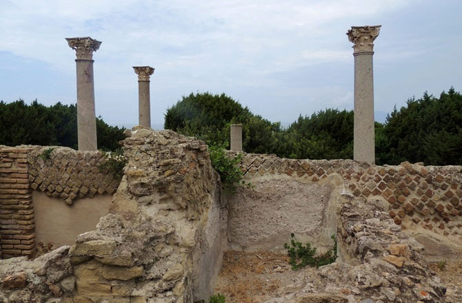 When the villa was built at the end of the first century A.D. on a property which most likely belonged to the prominent Domitii Ahenobarbi, Nero's family, Giannutri was a harsh, uninhabited site. Paola Agazzi/Rossella Lorenzi.