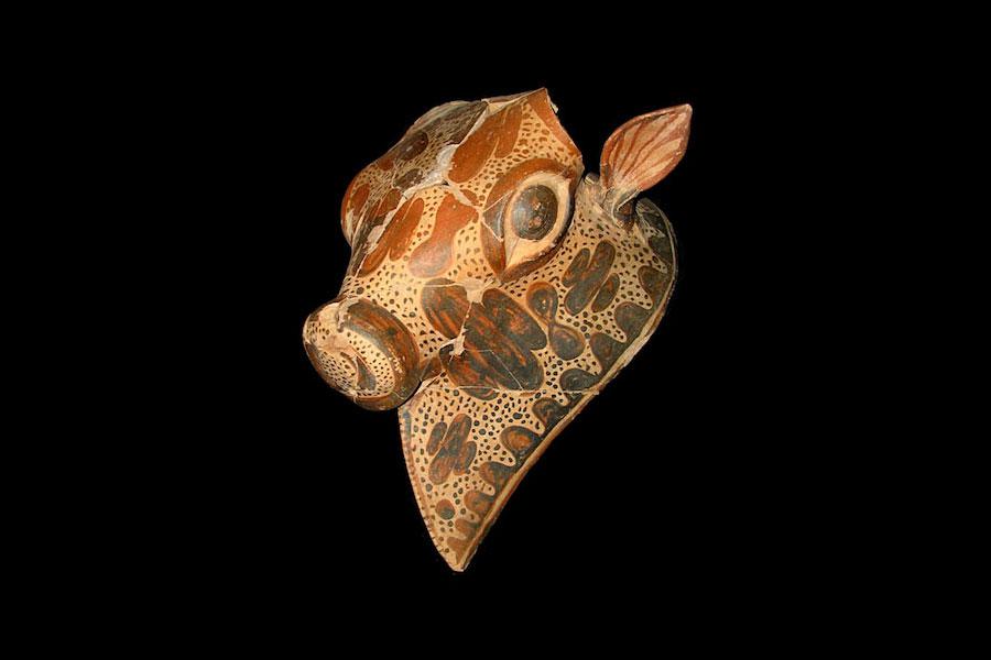 Fig. 1. Bull-shaped clay rhyton. Aghios Vassilios excavation.