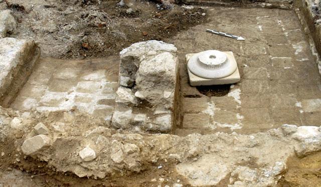 Fig. 10. Doric capital with hypotrachelium. Sanctuary of Apollo Amyklaios.