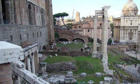 Experts are angry about the use of cement to reinforce the seven columns of the Temple of Peace. Photo: Romanus_Too. Credit: The Local.