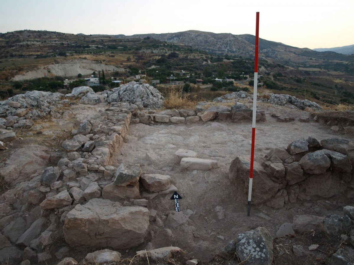 At the top of the rocky outcrop around which the site is situated, a previously excavated building was further investigated in 2015.