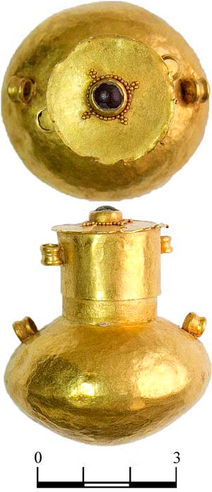 Gold vial [Credit: Institute of Archaeology,  Russian Academy of Sciences].