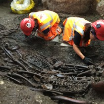 Suspected 1665 Great Plague Pit unearthed in London