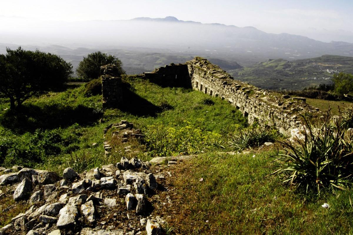 Fig. 12.The kule in Ano Moulia, Herakleion (photo: G. Stamatakis).