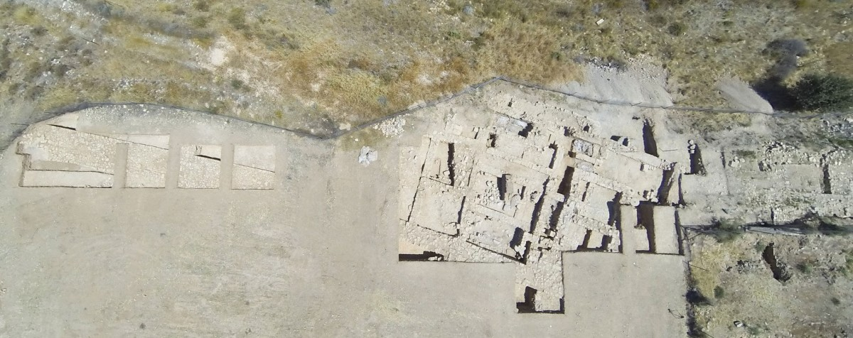 Palaepaphos: Most of the investigated area of the Hadjiabdoulla plateau preserves monumental architectural remains.