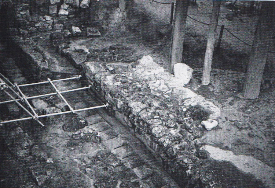 Fig. 2. Knossos: Fortification enclosure to the south of the Minoan palace.