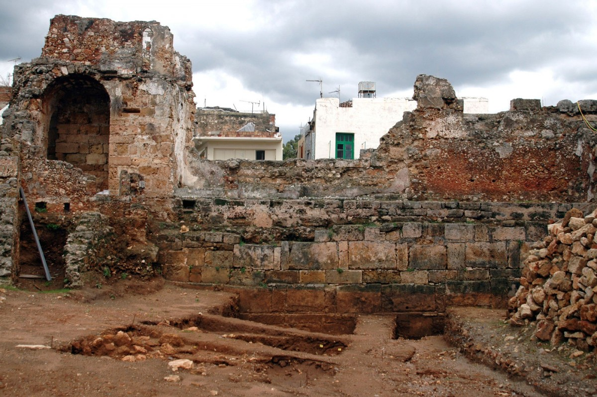 Fig. 6. Kydonia (Chania), section of the inner facade of the ancient wall in Katre street (photo. M. Andrianakis).