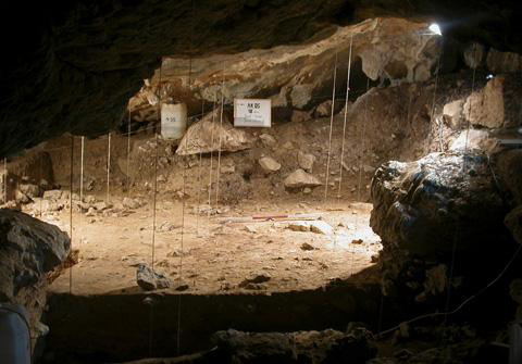 A view of Antoliñako Koba site (Gautegiz-Arteaga, Bizkaia, Basque Country, Spain) during the excavation. Credit: Mikel Aguirre.