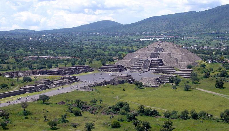 Pyramid of the Moon, Teotihuacán, México. Image: Public Domain