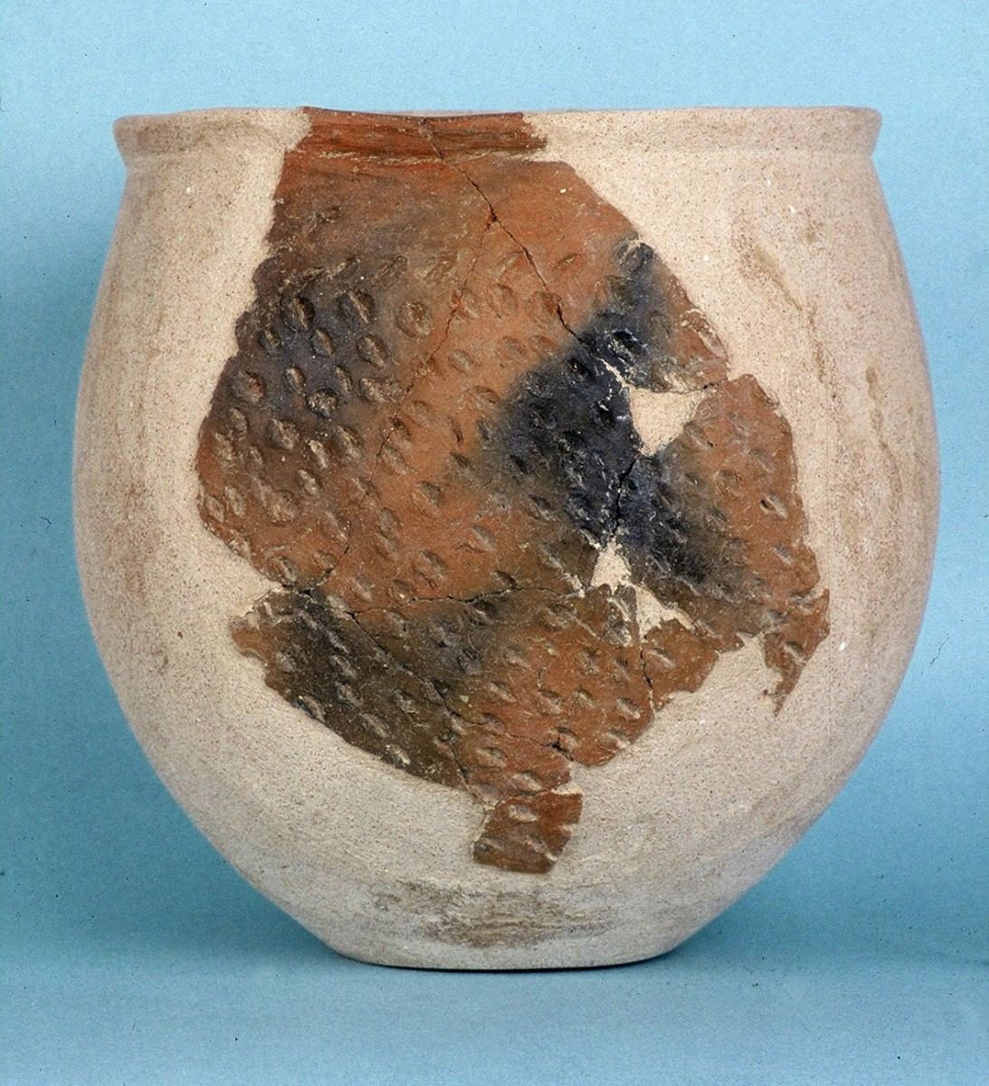 Fig. 17. Vessel from the Upper Neolithic with nail impressions.